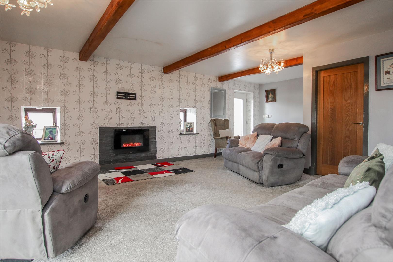 4 Bedroom Farmhouse For Sale - 10.JPG